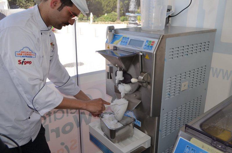 بستنی ساز ایرانی